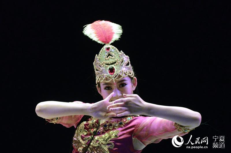 """青春中国梦 六省青年舞蹈精英""""舞动""""塞上江南"""
