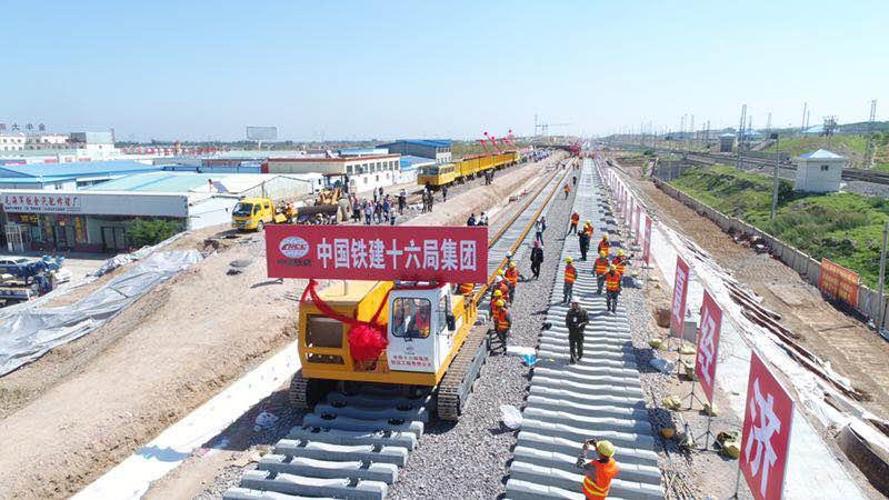 宁夏首条高铁9月2日正式开始铺轨