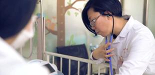20年坚守重症监护室        儿科医生于鑫岩 甘做孩子身边的守护者