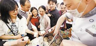 宁夏特色亮相文博会第十四届中国(深圳)国际文化产业博览交易会宁夏馆。5月10日…