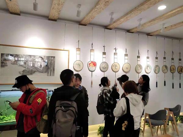 《长生长长》――南北画派交流研讨会在银川举行