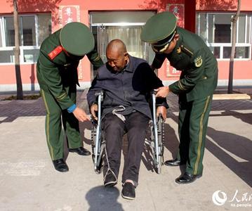 九九重阳节 武警宁夏官兵看望慰问驻地敬老院老人