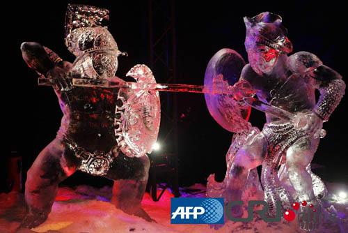 法国巴黎举行大型冰雕艺术展